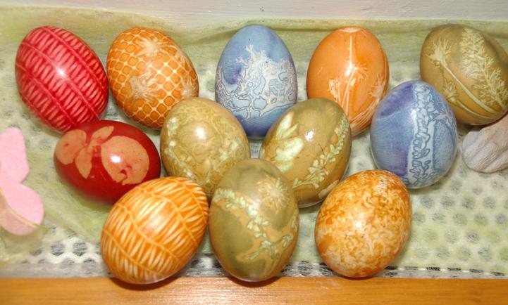 Bunt gefärbte Ostereier